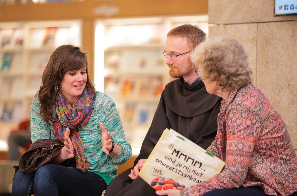 Levende boeken in winkelcentrum Haarlem Schalkwijk